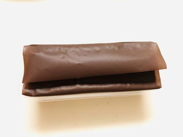 シートに包まれたポロショコラ