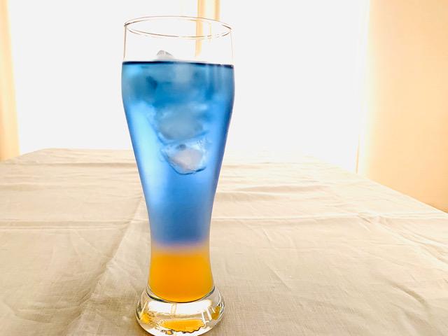 青とオレンジのアイスティー