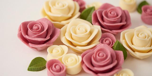 美しい薔薇のチョコレート「メサージュ・ド・ローズ」