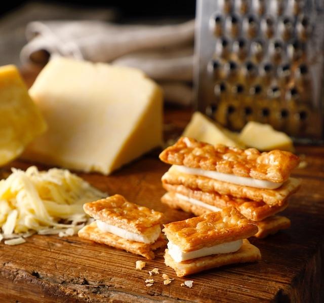 チェダーチーズパイサンド