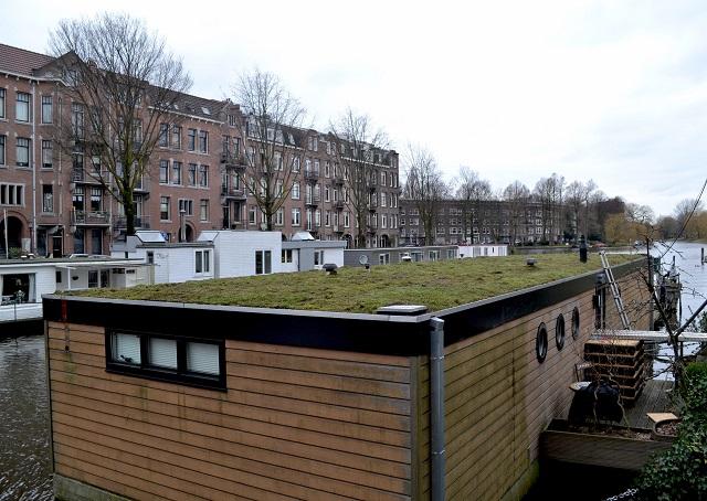 3時間で作業のできる屋上緑化