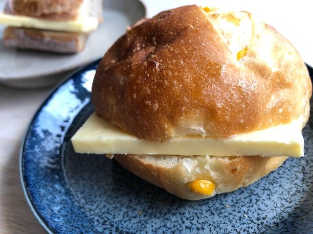バター コーンパン ピュアナチュール