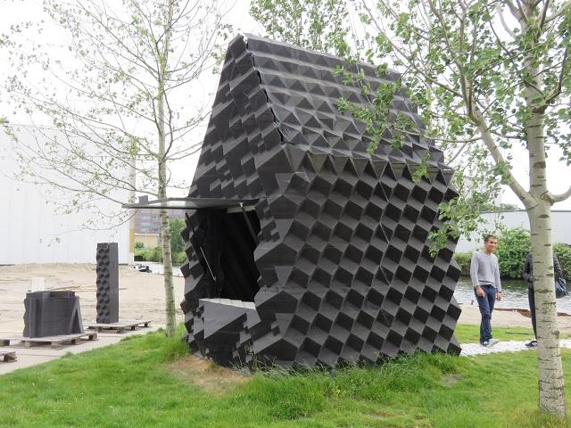 「3D Printed Urban Cabin」