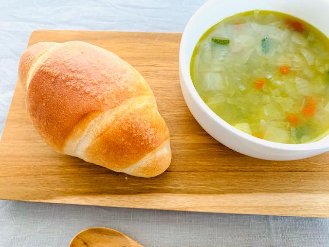 塩バターフランスとスープ