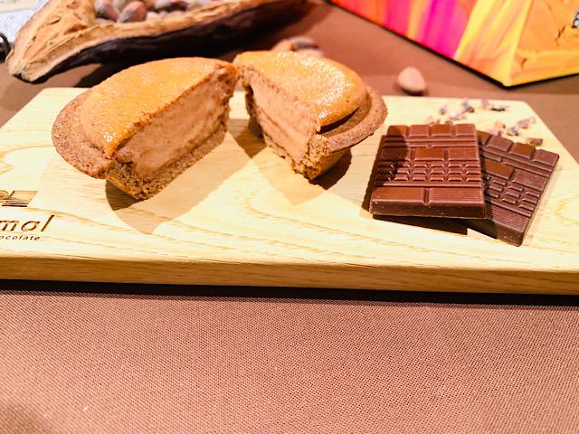 カカオとチョコレートチーズタルトとチョコレート