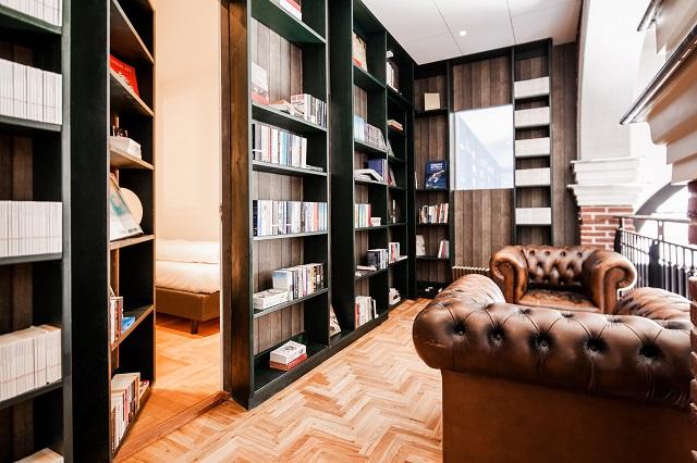 本棚を利用した隠し扉