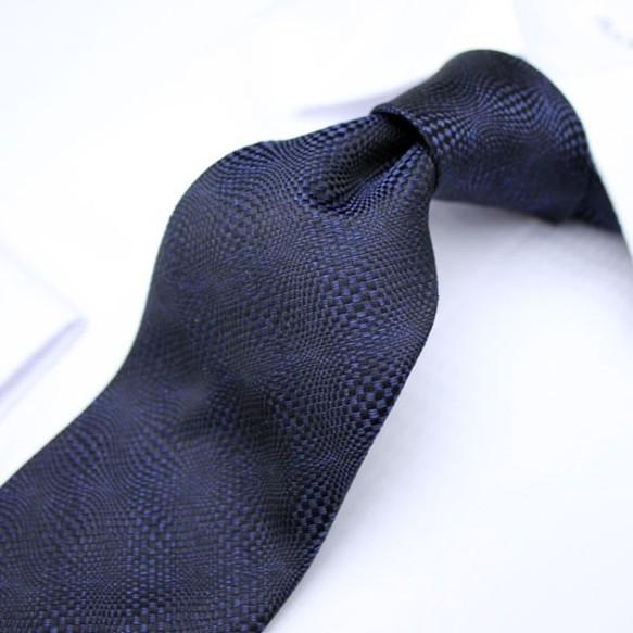 【受注制作】とってもお洒落な織柄のソリッドタイ/濃紺
