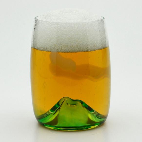 究極のビールグラス ビールを注ぐと山の周りに美しい夕焼けが広がります。 TCB-15