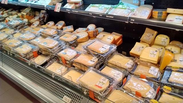 オランダ特産品であるチーズのコーナー