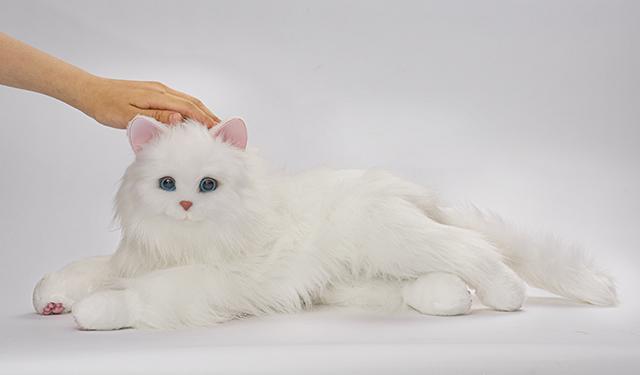 猫型ペットロボット「しっぽふりふり あまえんぼうねこちゃん」