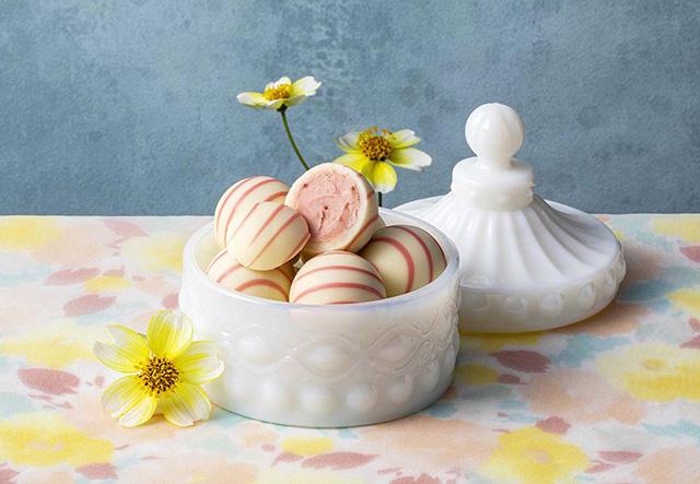 銀のぶどうのホワイトデー人気歴代No.1の『苺のトリュフ』