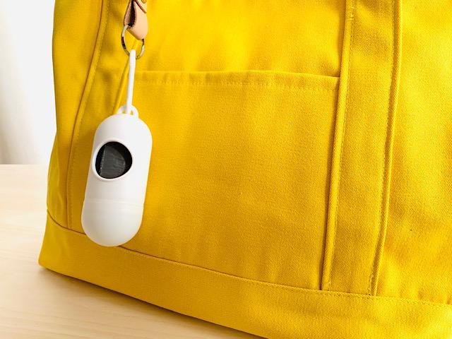 バッグにつけた携帯用ゴミ袋アップ