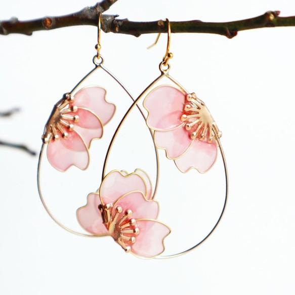 桜の浮遊 耳飾り