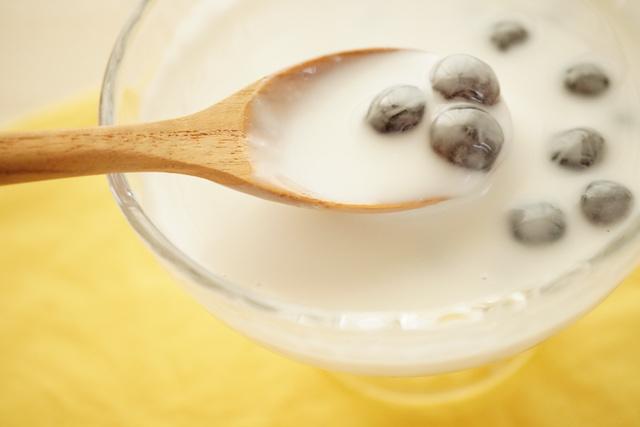 ココナッツミルクに入れたタピオカ
