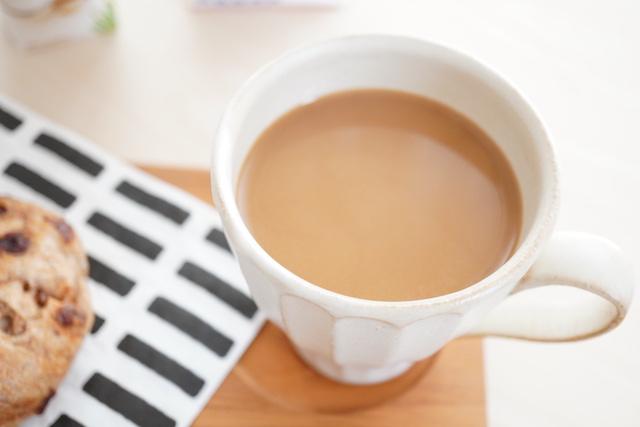 コーヒーに入れたオーツミルク