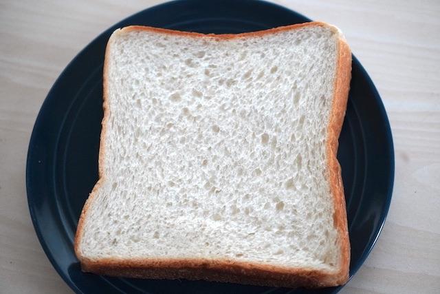 角食パン一枚