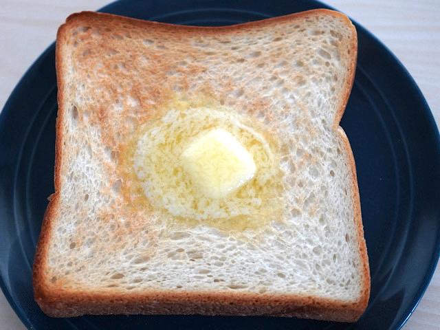 トーストした角食パン