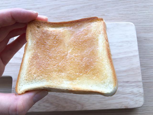 ペリカン 食パン