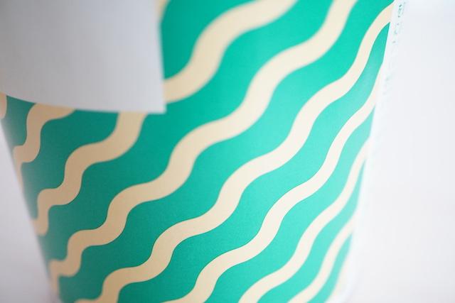 カップの波模様