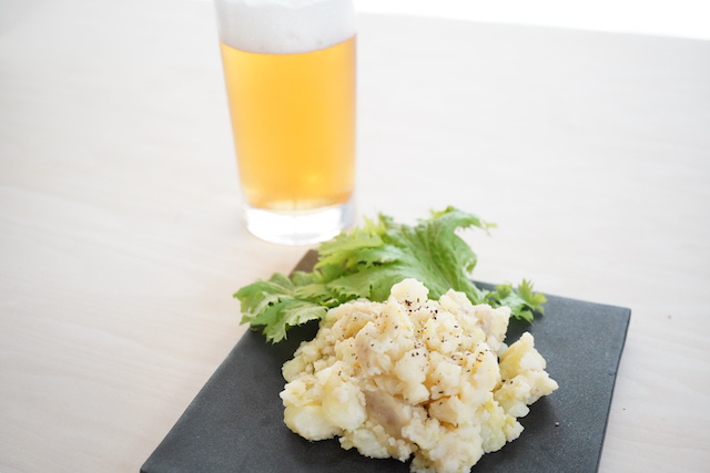 ビールとアンチョビ入りのポテサラ
