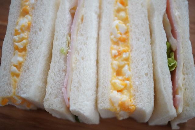 ハムサンドと卵サンド