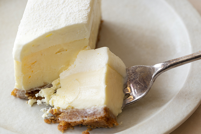 "【Megan - bar&patisserie】チーズケーキ ""THE CHEESECAKE"":"