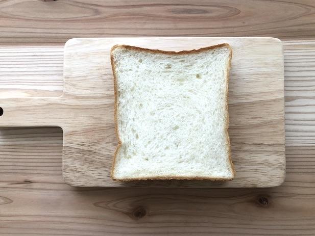 トラスパレンテ 食パン