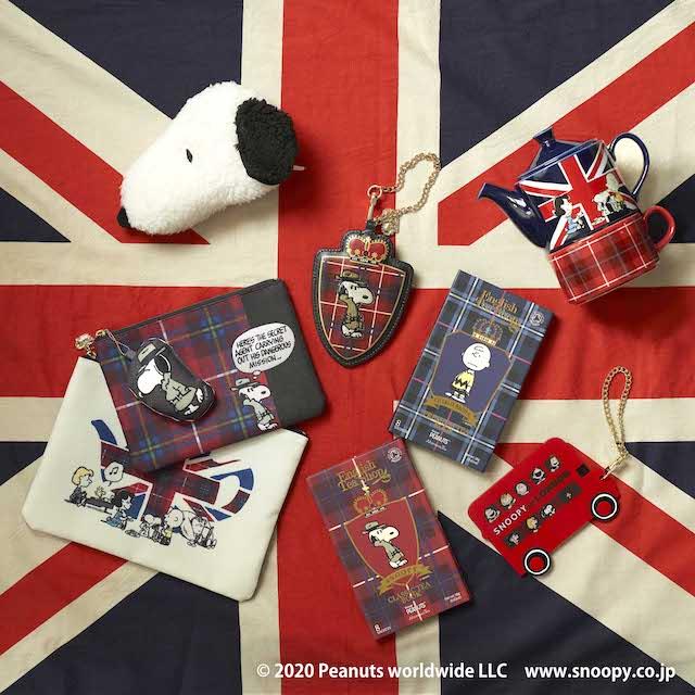 イギリス国旗の上のスヌーピーグッズ