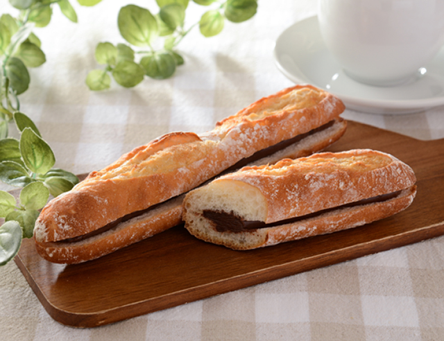 【ローソン】マチノパン 芳醇チョコレートのフランスパン(9月22日発売)