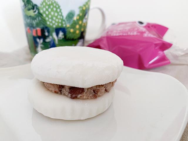 マシュマロのような食感の不思議なスイーツ「あんバタークリームサンド」