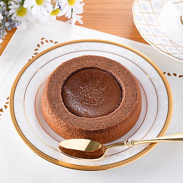 【ファミリーマート】生チョコを使ったチョコケーキのバウム(9月29日発売)