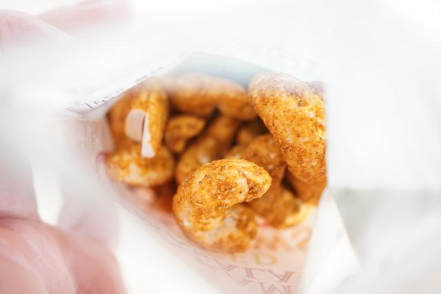 袋の中のナッツ