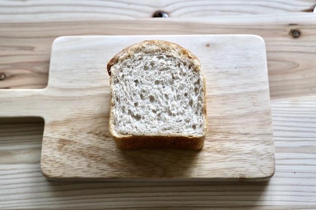 ホテル コエ ベーカリー 全粒粉 パン