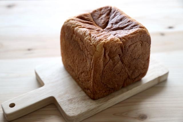 ホテル コエ ベーカリー フィナンシェ食パン