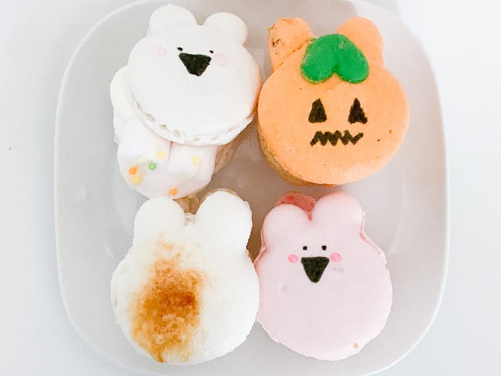 人気のキャラクター「すごぶる動くウサギ」がマカロンに!「over macaron」