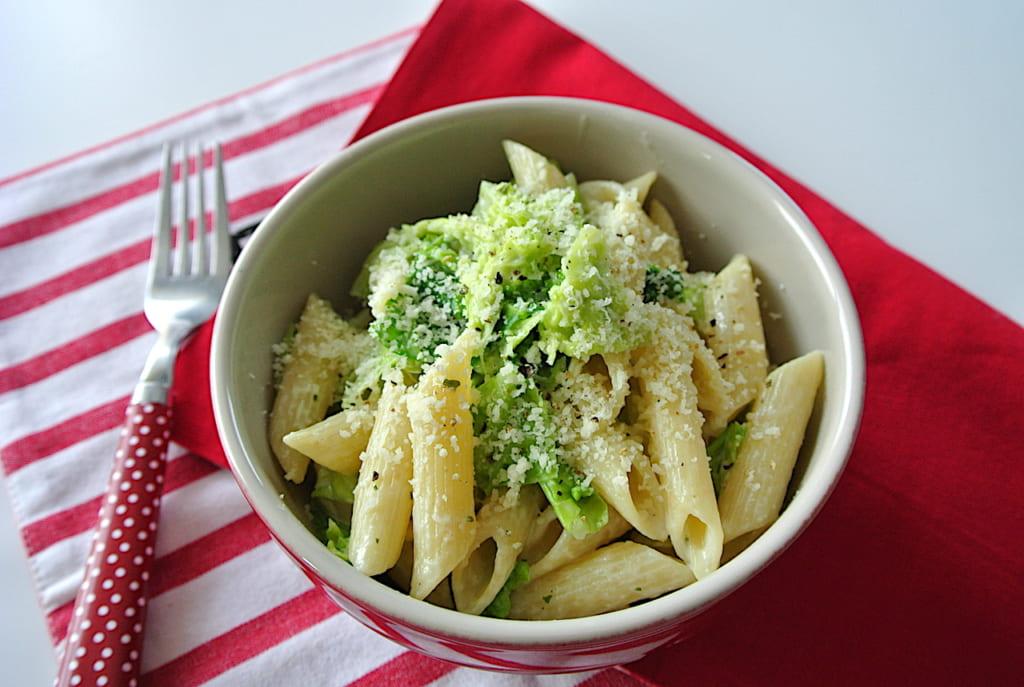 レシピ、パスタ、ランチ、簡単レシピ、ひとり、チーズ、キャベツ、ベーコン