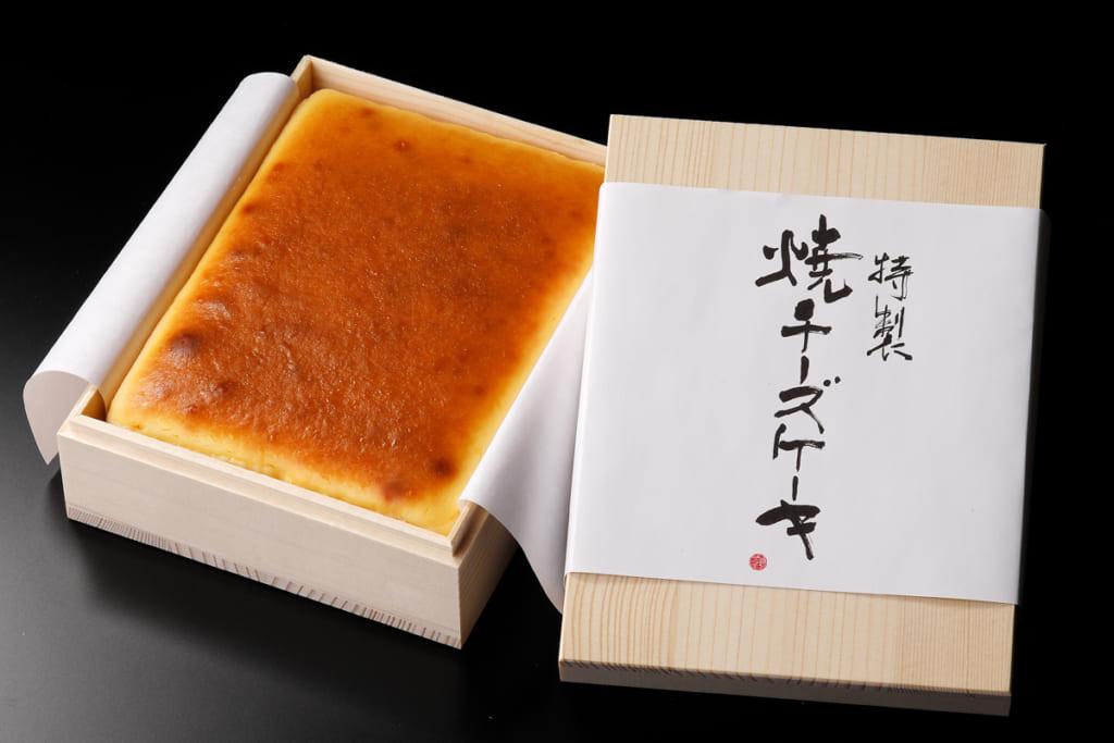 M・dish「特製焼チーズケーキ【木箱入】」(東京都)