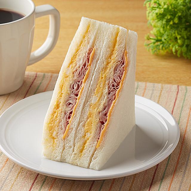 【ファミリーマート】ハムチーズたまごサンド(12月1日発売)