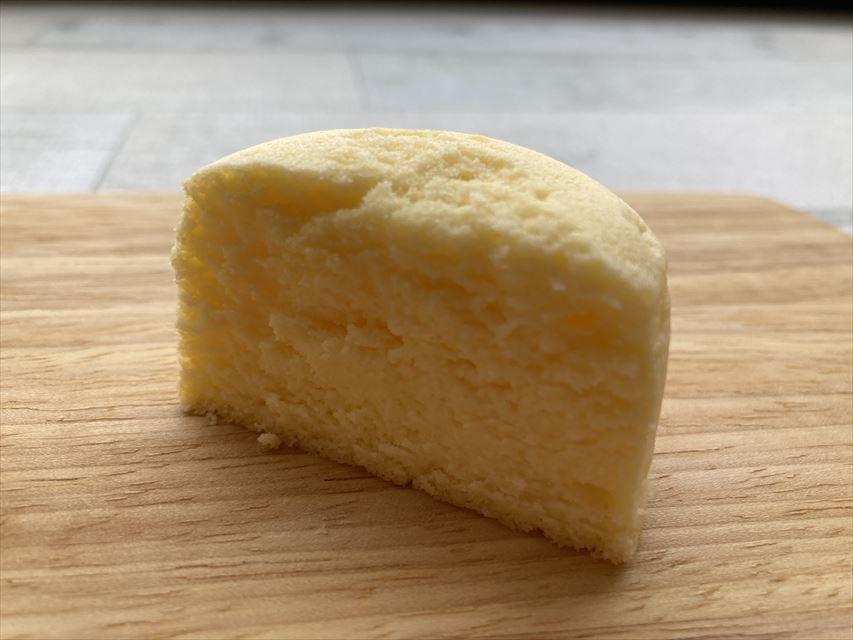 BAKE チーズスフレ断面