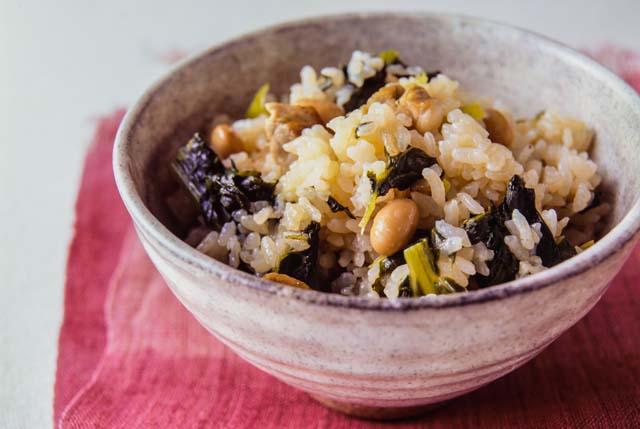 豚バラ肉と小松菜の炊き込みごはん