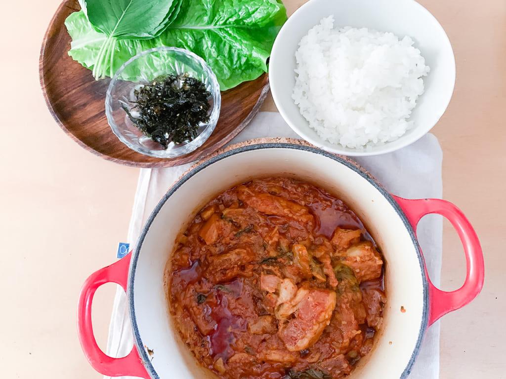 ただ煮込むだけ!簡単に美味しく韓国本場の味を「キムチチム」