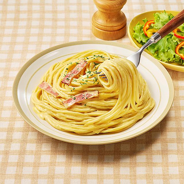 【ファミリーマート】北海道産生クリームと2種チーズのカルボナーラ(12月29日発売)