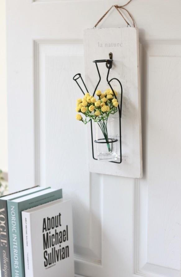 【オシャレペイント木板付き】男前壁に飾るワイヤーフラワーベース(造花ミニローズ付き)