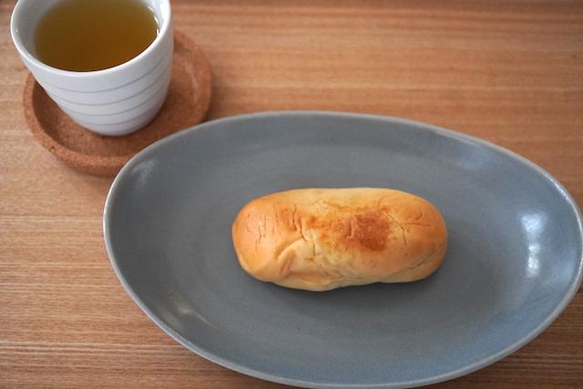 緑茶とパン