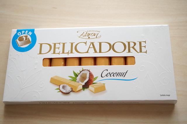 ココナッツホワイトチョコバーパッケージ