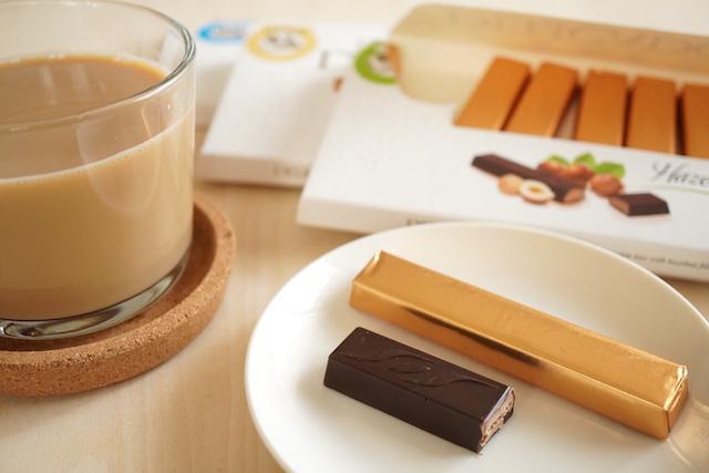 チョコバーとミルクティー