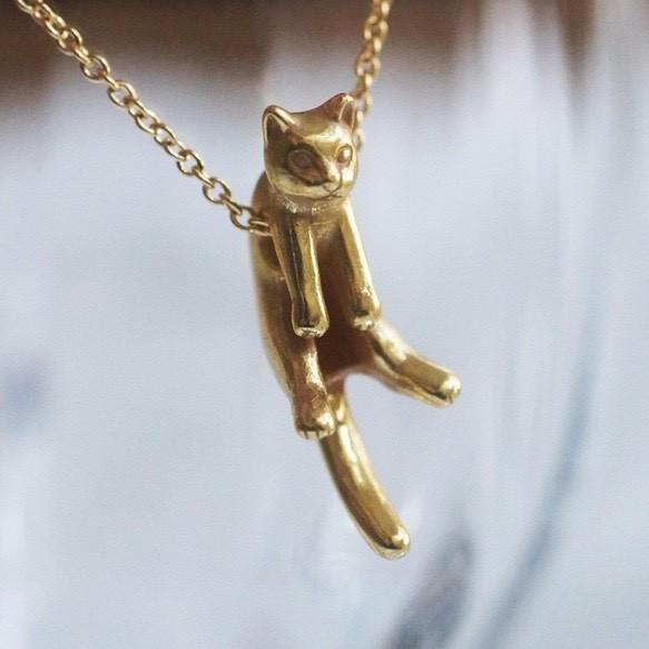 グリとラテュの猫ペンダント グリ(アンティークゴールド)