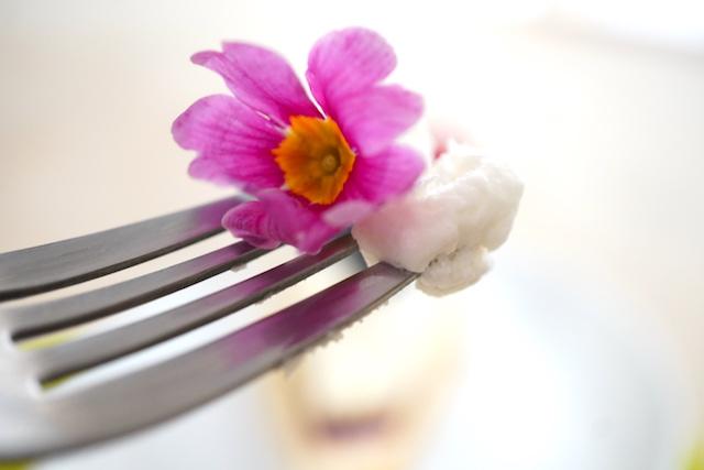 クリームとお花