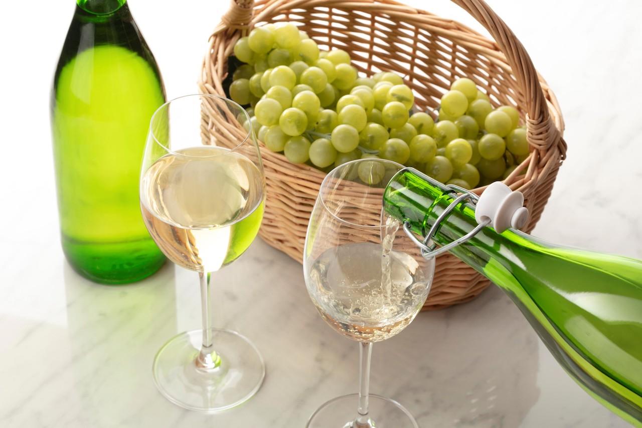 シャトレーゼの限定樽出し生ワインが飲める!「春ワインフェア」始まるよ〜|News