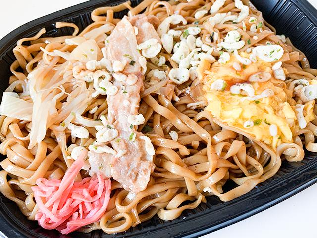 一番気になるのが、「みかさ」の特徴であるもちもち麺と濃厚なソース